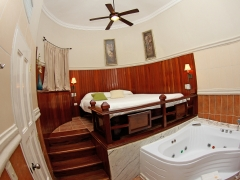 bed_jacuzzi_in